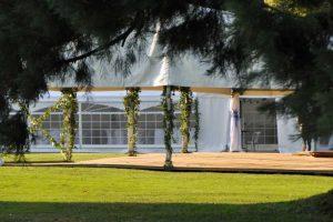 Tente dans les jardins du château de Trélon