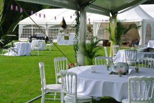 Mariage dans les jardins du château de Trélon.