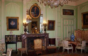 Les salons du château de Trélon.